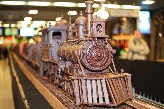 Самый длинный в мире шоколадный поезд.