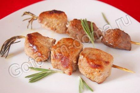 Очень вкусные и ароматные шашлычки можно приготовить даже дома!
