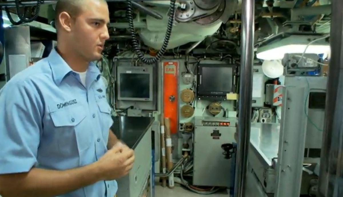 трахают как пропасть на подводную лодку по контракту сиськи красивые