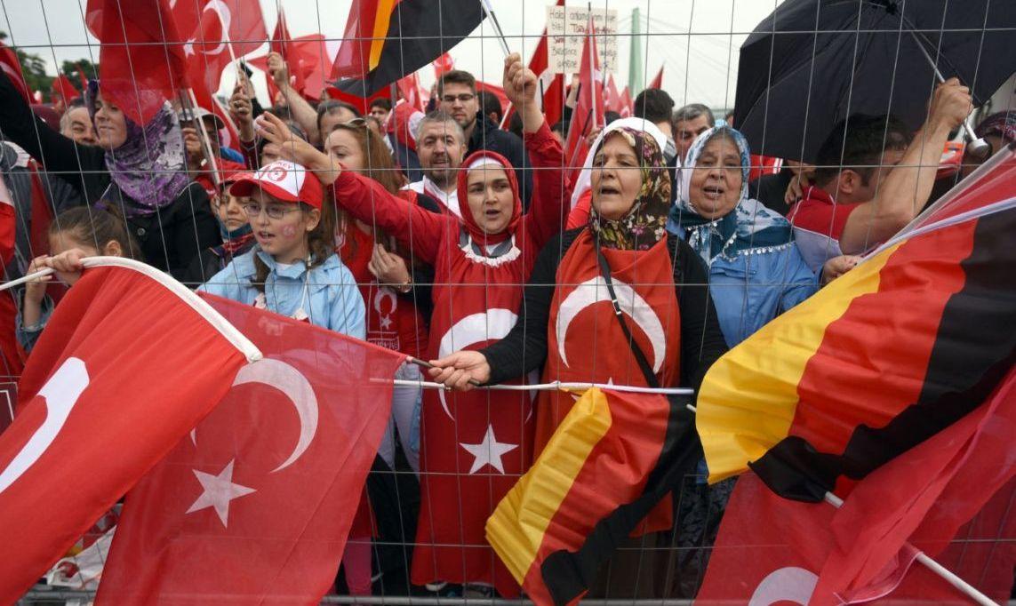 Конфликт между Берлином и Анкарой с привкусом шпионажа
