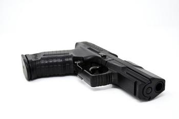 Ученик школы в Симферополе выстрелил в одноклассника