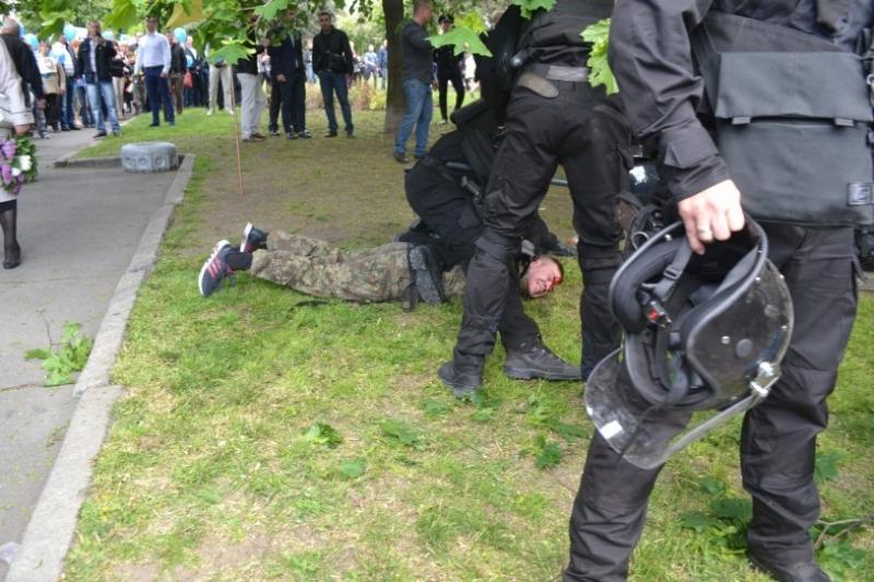 Азаров о 9 Мая в Днепропетровске: Режим испугался, что его бандеровских отморозков на всех не хватит
