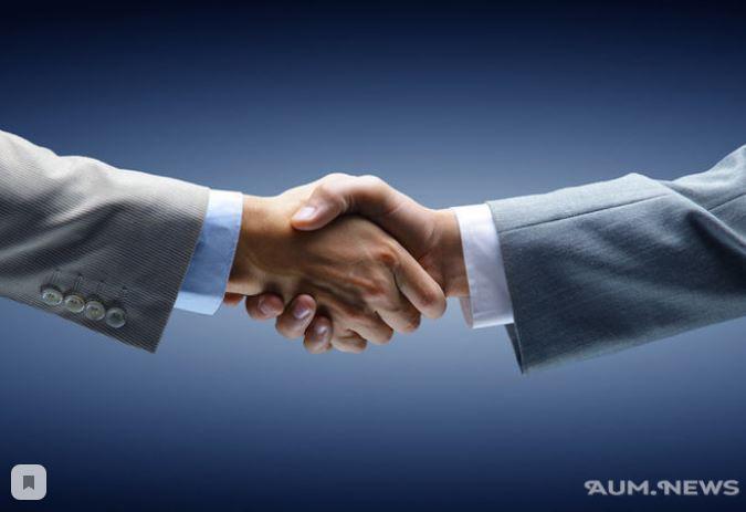 О чем говорит рукопожатие? Разные виды рукопожатий и их значение