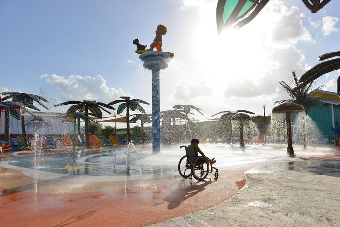 Аквапарк для детей-колясочников.