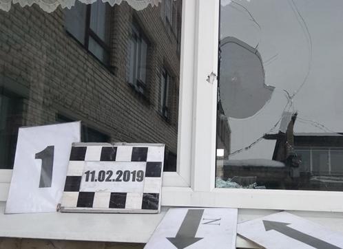 Одна из школ ЛНР подверглась обстрелу ВСУ