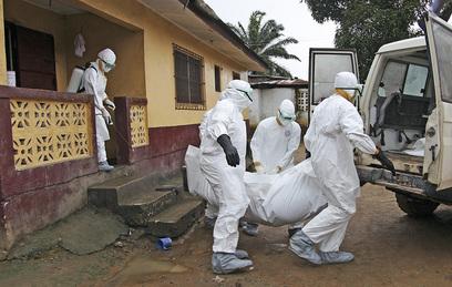 СМИ: Госдеп предлагал перевозить больных Эболой в Штаты