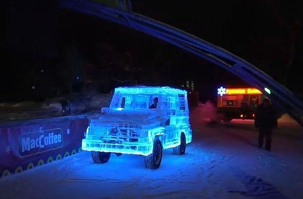 В Сибири сделали ледяной автомобиль