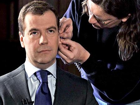 Медведев отдает экономику на…