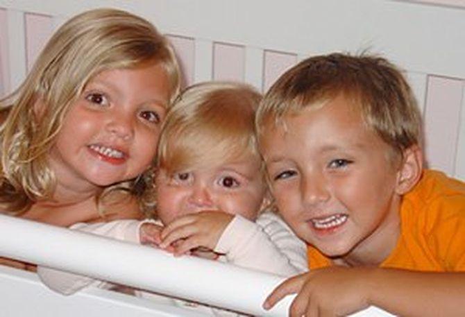 Родители потеряли троих детей в автокатастрофе. Год спустя произошло чудо…