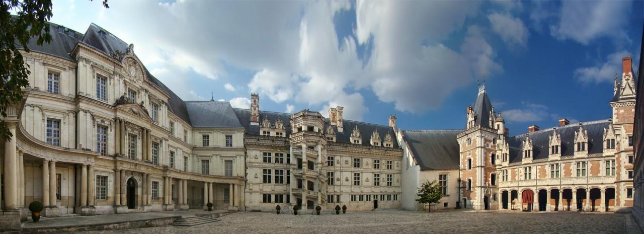 http://upload.wikimedia.org/wikipedia/commons/f/fb/Loire_Cher_Blois1_tango7174.jpg