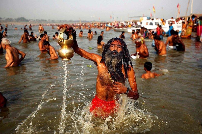 Индийский суд признал священную реку Ганг живым существом