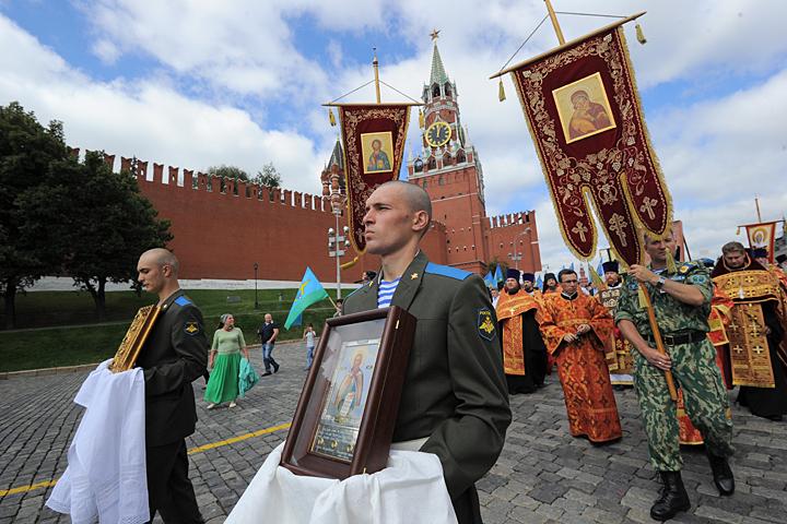 Может ли русский плюнуть на империю и вернуться в избушку?