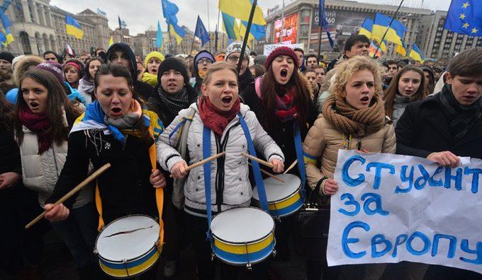 Запад устал от Украины и антироссийских санкций – киевские СМИ