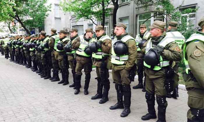 За что вчера били карманных нацистов киевского режима