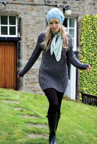 Вязаное спицами платье - туника от Ким Харгривз Мне очень понравилось!
