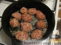 """Фото приготовления рецепта: Мясные """"Ежики"""" - шаг №6"""
