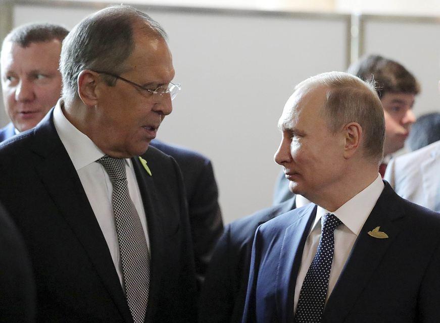 На лацкане Путина и участников G20 - советская подводная лодка