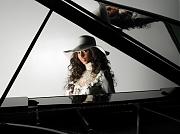Алиша Кис (Alicia Keys) в фотосессии Тьерри Ле Гуэ (Thierry Le Goues) для альбома As I Am (2007)
