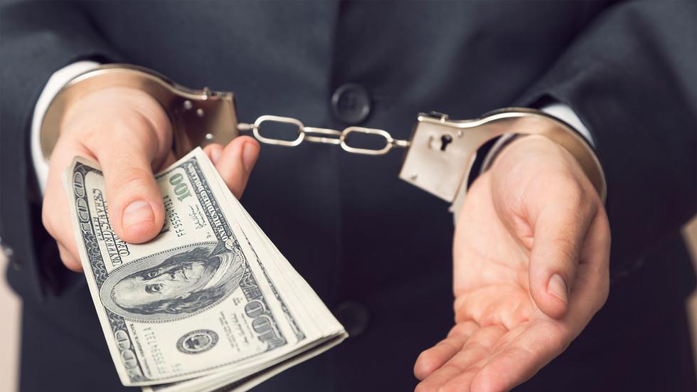 Чем больше взял, тем мягче сядешь. Почему суды дают казнокрадам условные сроки?