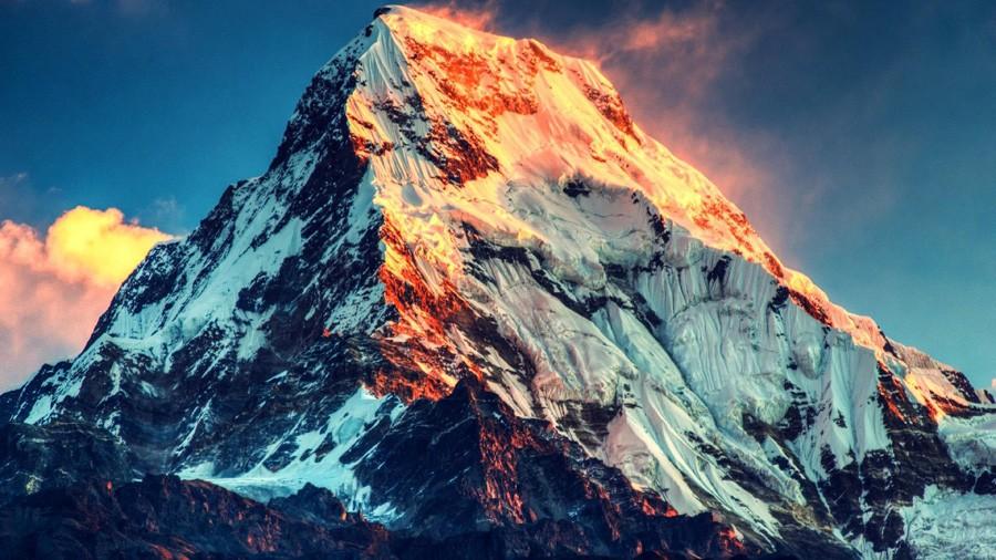 Эверест- вершина особой морали