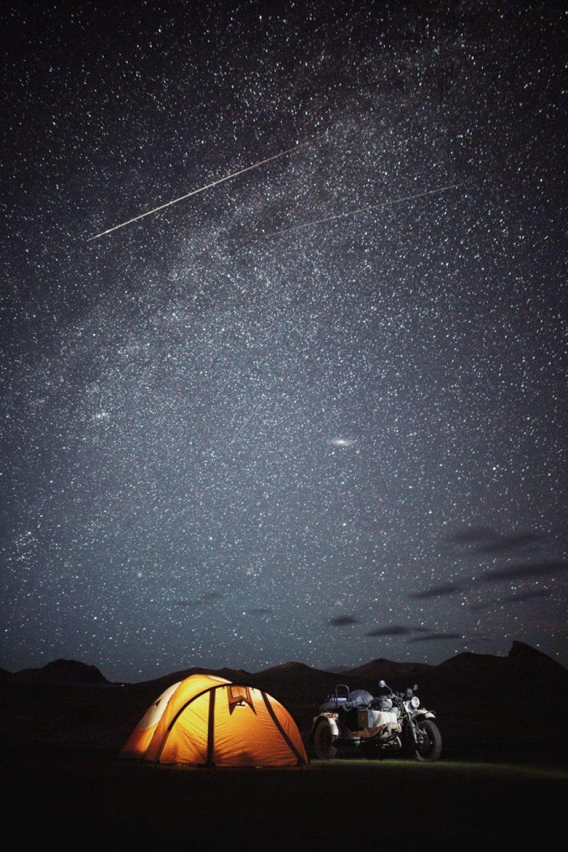 Ничто не сравнится с ночным небом Монголии монголия, мотоцикл, мотоцикл с коляской, мотоцикл урал, путешественники, путешествие, средняя азия, туризм