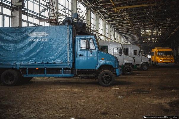 В сети появились фотографии гибнущего завода ЗИЛ