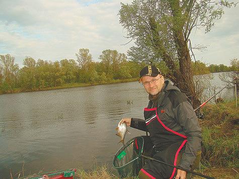 Опытный рыболов показал, что клюёт в реке Припять (фото)