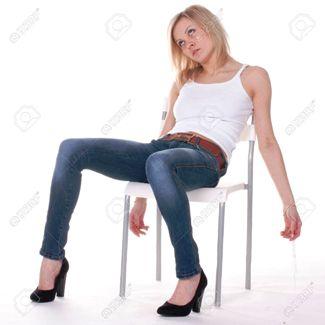 Он ошибся лишь на одну букву. А женщина как получила письмо, так и сползла со стула...