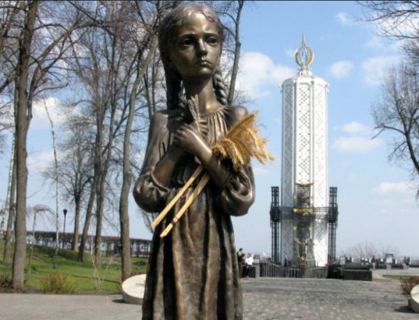 Миф о «геноциде украинцев» продвигал американский нацист