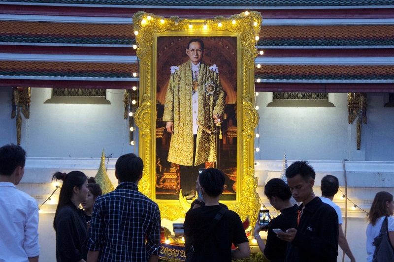 Некоторые факты из жизни короля Таиланда...