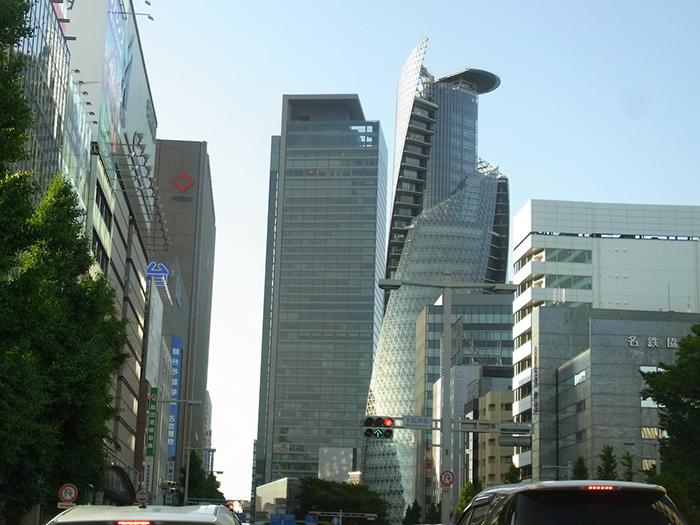 Башня с необычного ракурса в Нагое