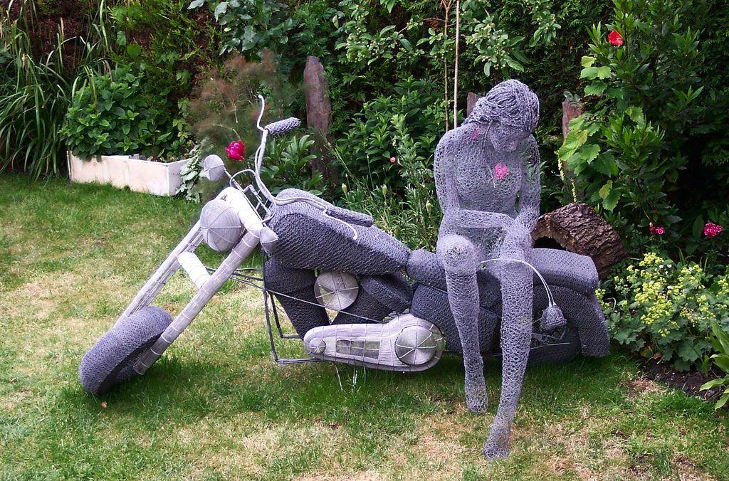 Призрачные скульптуры