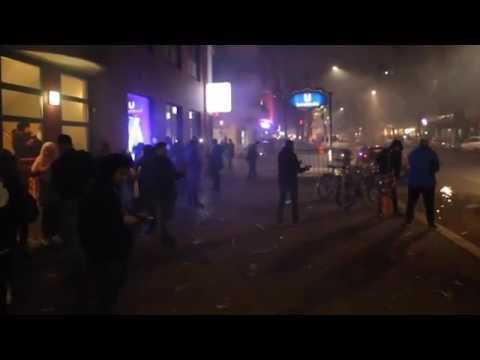 Новогодняя вакханалия в Берлине: очевидцы засняли варварское поведение мигрантов во время праздника