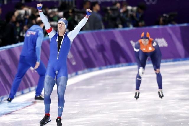 Норвежский конькобежец Лорентсен взял «золото» на дистанции 500 м на ОИ