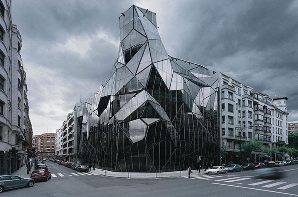 22 здания, которые легко могли бы сойти за штаб-квартиры суперзлодеев
