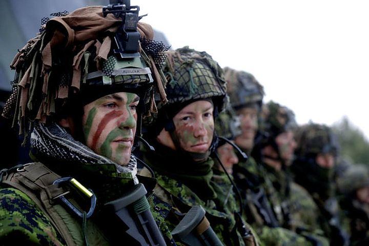 Американский генерал: Русский медведь горячо дышит в сторону Швеции