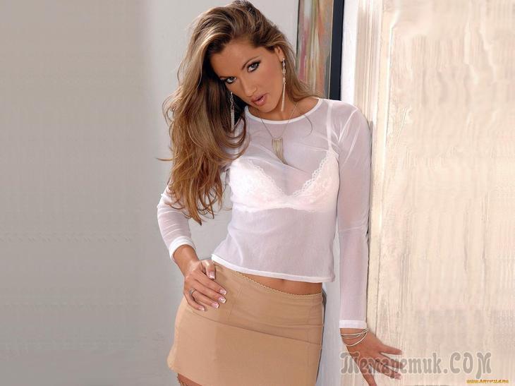 девки в прозрачных блузках