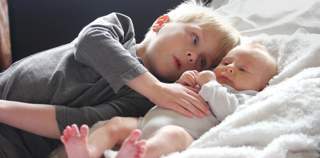 Дерматит на щеках у детей фото
