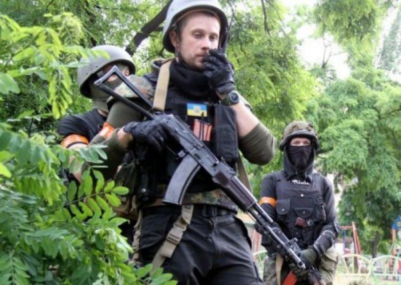 Комбат наци-батальона «Азов» призывает напасть на Россию исподтишка
