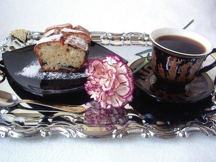 Нежный творожный кекс с черносливом