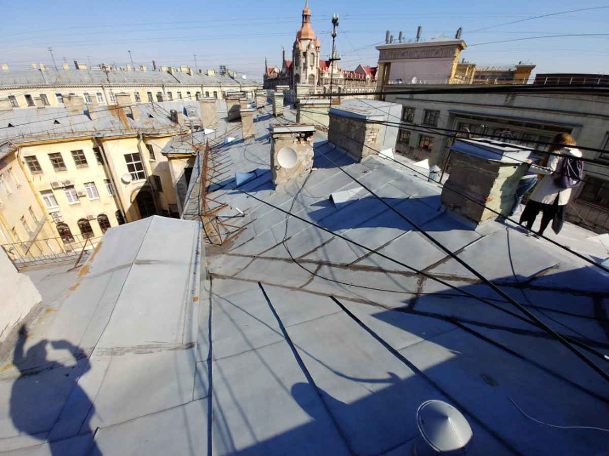 Экскурсия по питерским крышам: стоит ли
