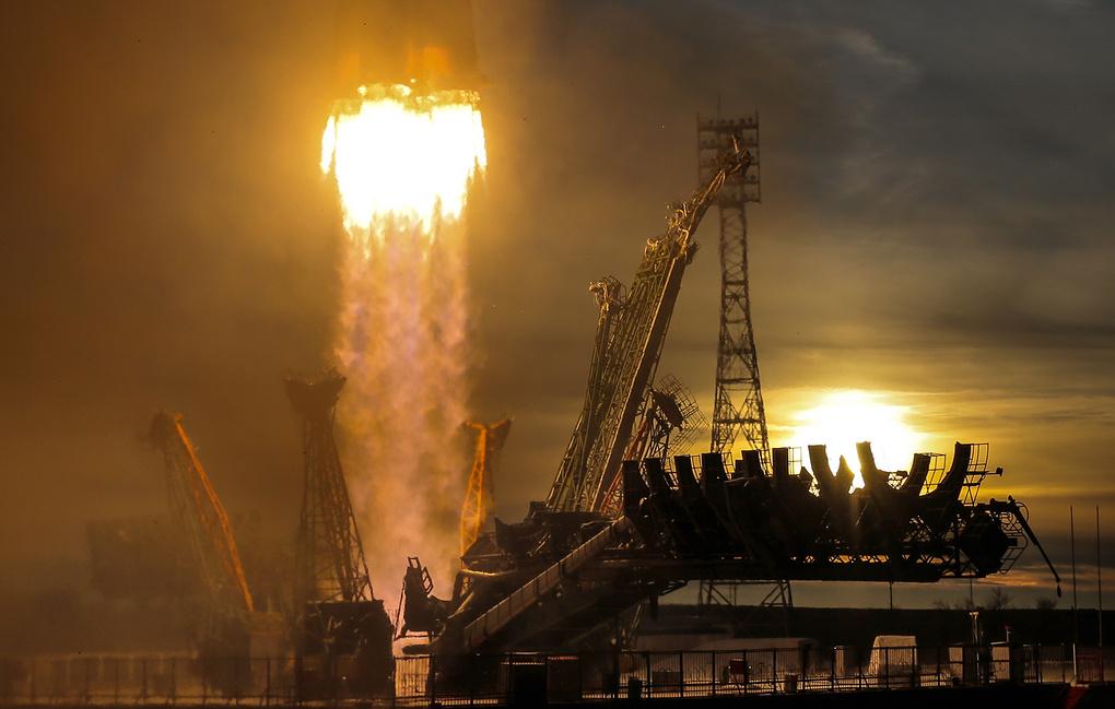 """NASA просит Роскосмос разработать """"Союз"""" для полетов на Луну"""