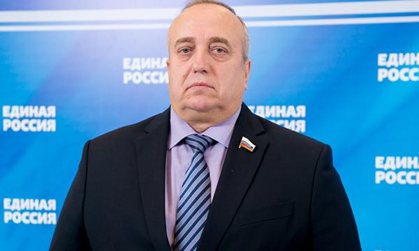 Причиной отставки сенатора Клинцевича назвали вредные комментарии
