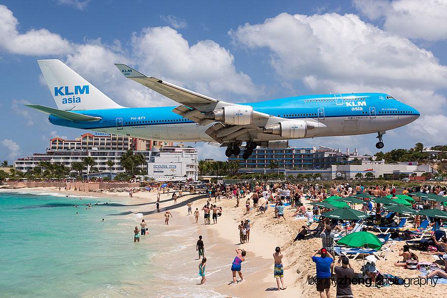 Прямо скажем - пляж сильно на любителя!