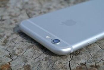 """""""Яблочная"""" корпорация из Купертино начала менять битые экраны iPhone и в России"""