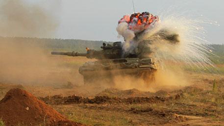 Танки Т-90, Армия Сирии и ВКС РФ прорывают оборону ИГИЛ в пустыне у Пальмиры