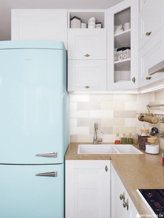 Место над холодильником.