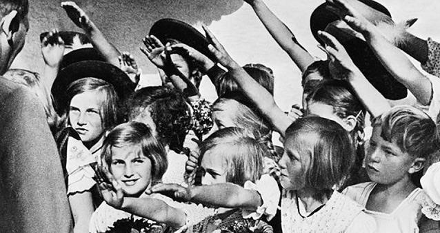 Подарок для фюрера. Что стало с детьми нацистских офицеров