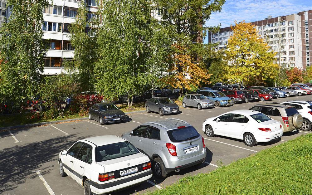 Борьба за парковку в нашем дворе. Драма с элементами идиотизма