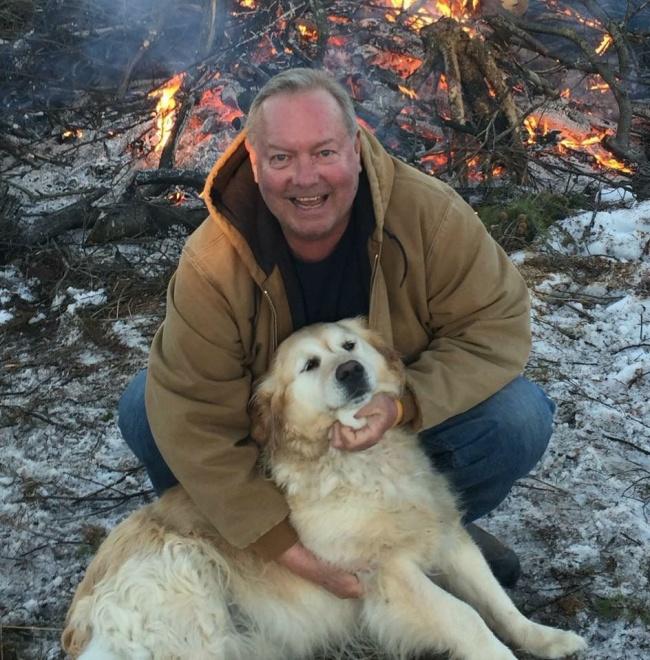 Собака спасла жизнь парализованному хозяину, не дав ему замерзнуть в снегу